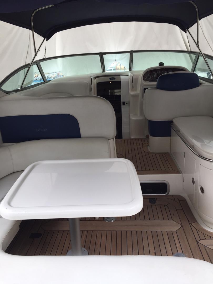 Cockpit dinning area