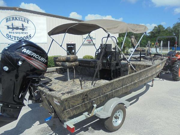 2016 Lowe boat for sale, model of the boat is Roughneck 1860 CC & Image # 3 of 23