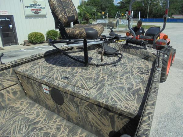 2016 Lowe boat for sale, model of the boat is Roughneck 1860 CC & Image # 5 of 23