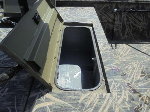 2016 Lowe boat for sale, model of the boat is Roughneck 1860 CC & Image # 8 of 23