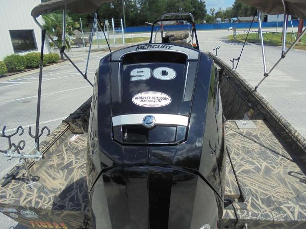 2016 Lowe boat for sale, model of the boat is Roughneck 1860 CC & Image # 19 of 23