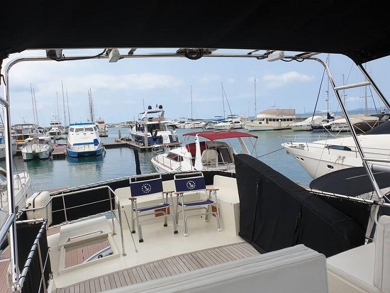 Island Gypsy 36 motor yacht-11