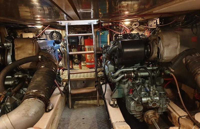 Island Gypsy 36 motor yacht-13