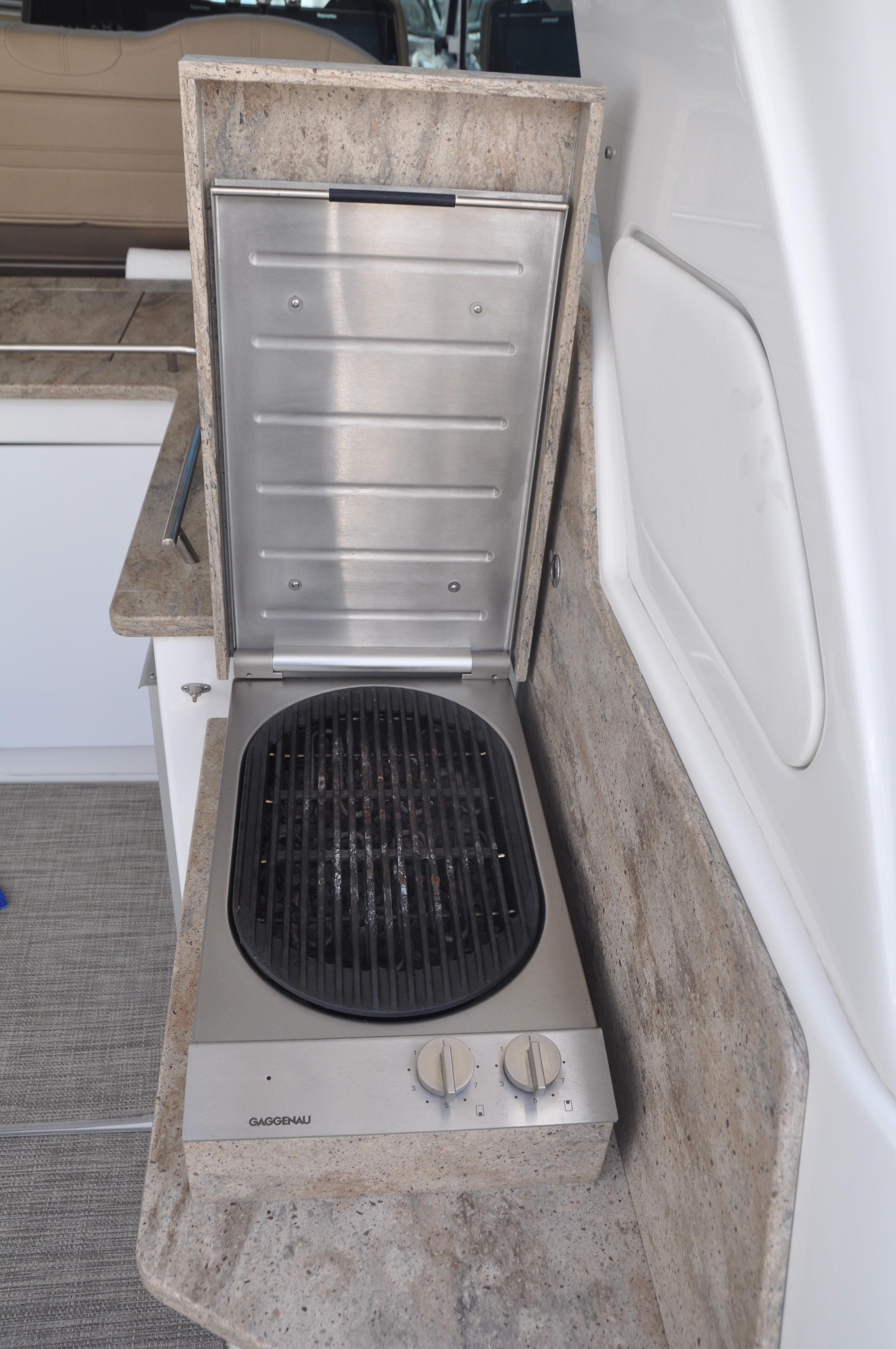 Helm Area Grill