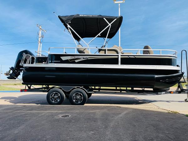 2021 Ranger Boats boat for sale, model of the boat is Reata 200F & Image # 4 of 34