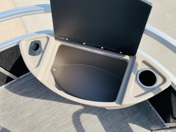 2021 Ranger Boats boat for sale, model of the boat is Reata 200F & Image # 12 of 34