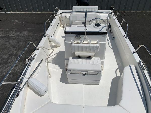 2013 Boston Whaler boat for sale, model of the boat is 190 Montauk & Image # 4 of 10
