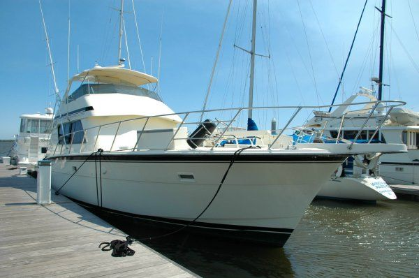 Hatteras 55 Convertible Sports Fishing Boats. Listing Number: M-3150042