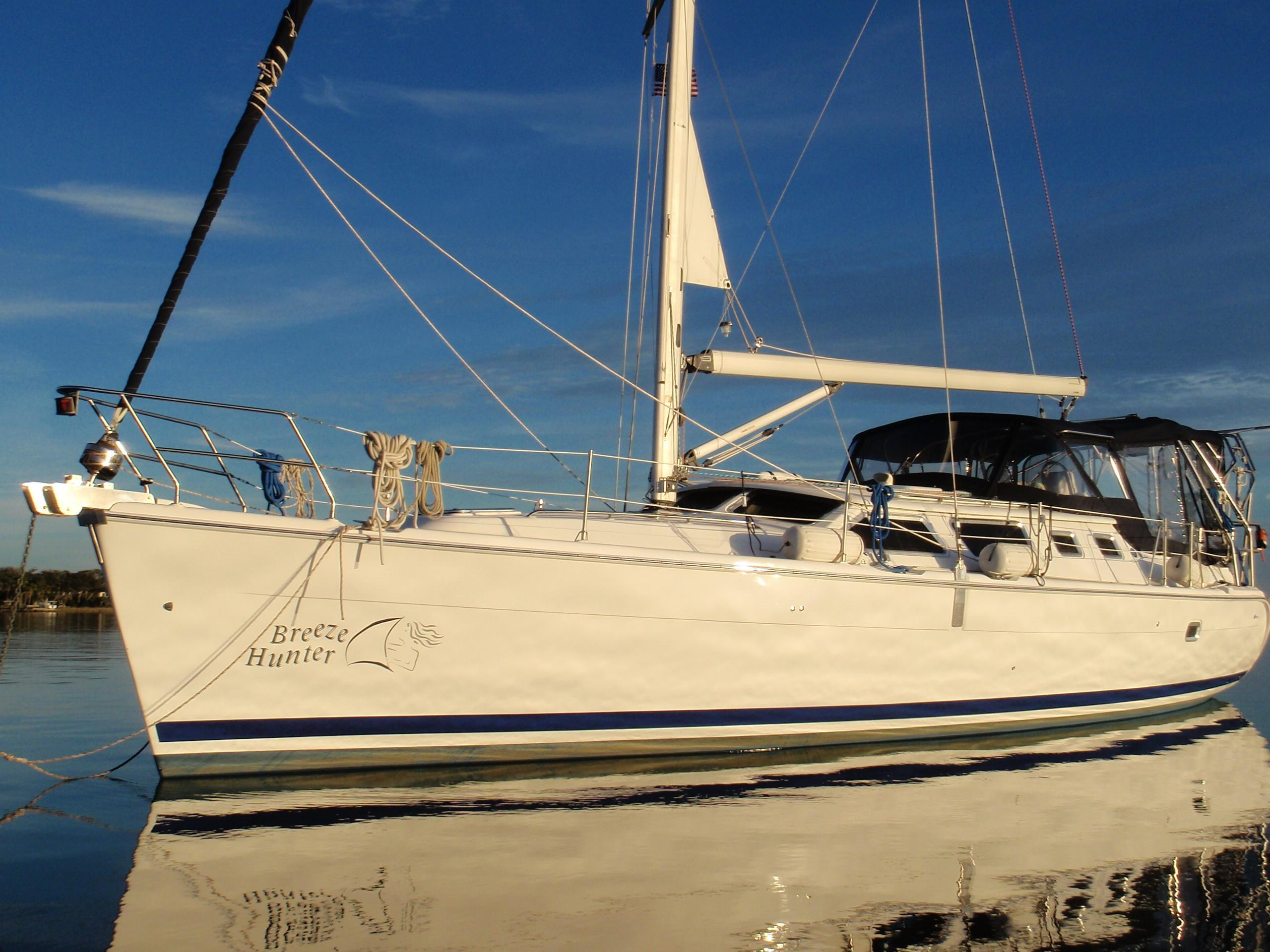 43' Hunter 2003 426 Hunter DS (Deck Salon)