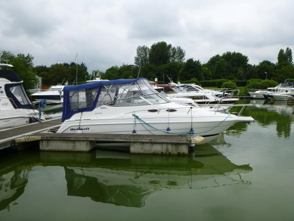 1999 Wellcraft Martinique 2400