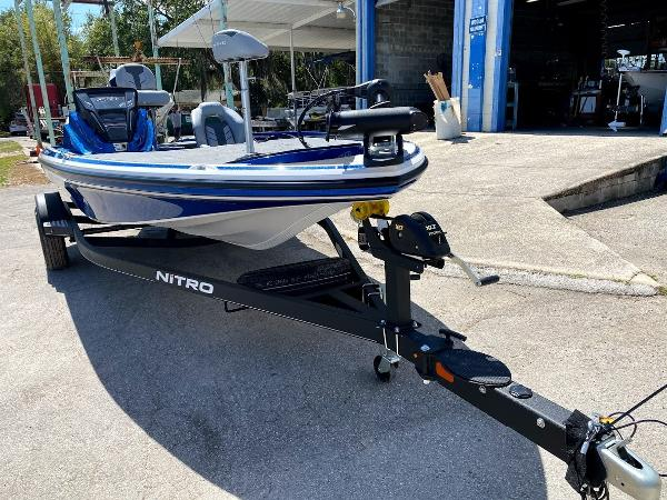 2020 Nitro boat for sale, model of the boat is Z18 & Image # 4 of 13