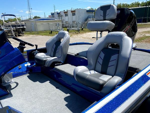 2020 Nitro boat for sale, model of the boat is Z18 & Image # 7 of 13
