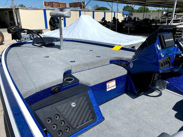 2020 Nitro boat for sale, model of the boat is Z18 & Image # 8 of 13