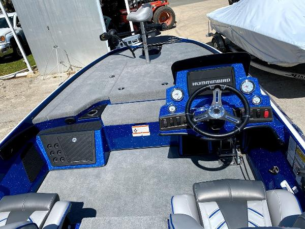 2020 Nitro boat for sale, model of the boat is Z18 & Image # 11 of 13