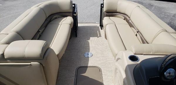 2021 Regency boat for sale, model of the boat is 230 DL3 & Image # 11 of 13