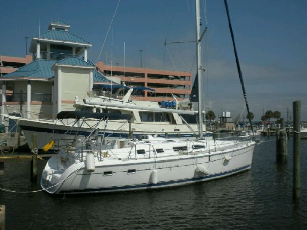 Hunter 41 AC Racers and Cruisers. Listing Number: M-3800080 41' Hunter 41 AC