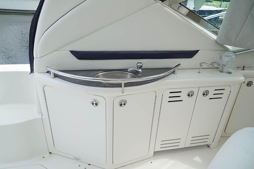 Sea Ray 420 Sundancer - Wet Bar - Cockpit