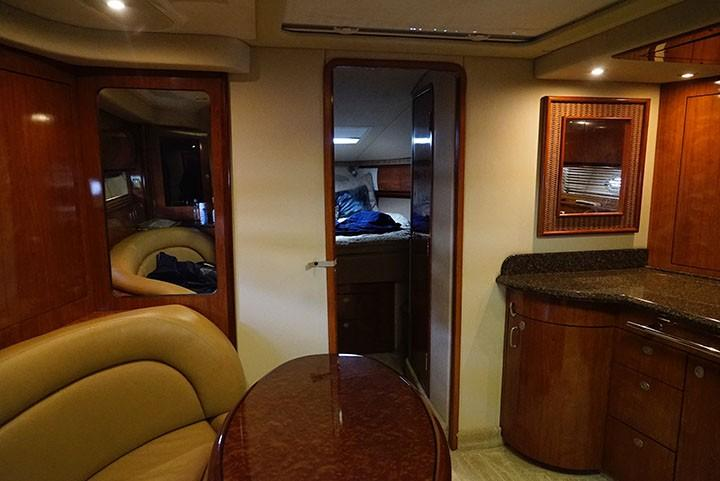 Sea Ray 420 Sundancer - Salon Forward