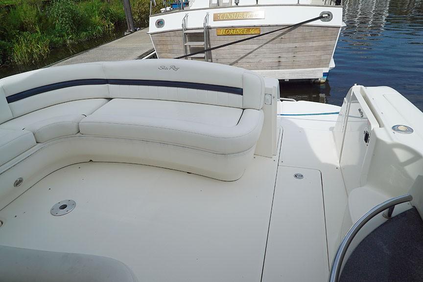 Sea Ray 420 Sundancer - Aft Cockpit U-seating