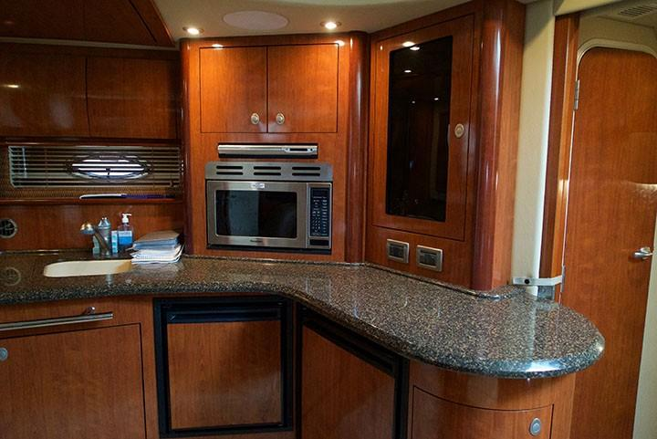 Sea Ray 420 Sundancer - Galley 2