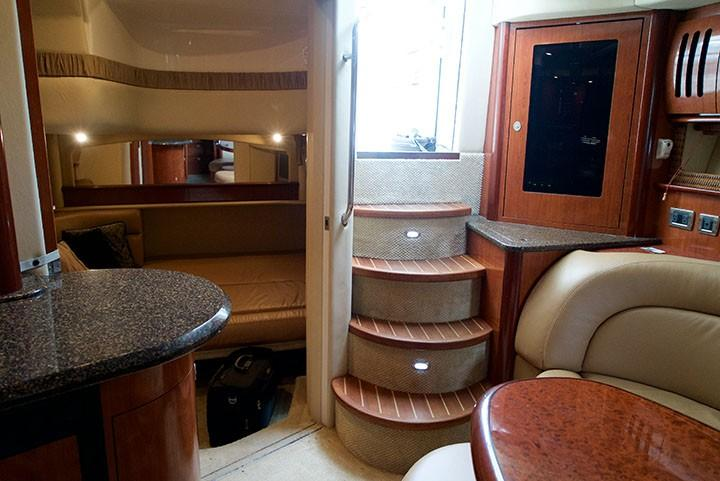 Sea Ray 420 Sundancer - Cabin Aft