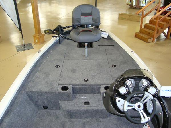 2021 Tracker Boats boat for sale, model of the boat is Pro Team 175 TXW® Tournament Ed. & Image # 5 of 16