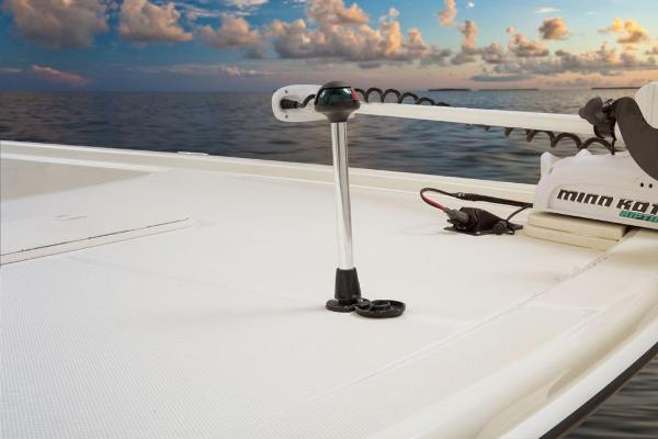 2017 Mako boat for sale, model of the boat is Pro Skiff 19 CC & Image # 5 of 33