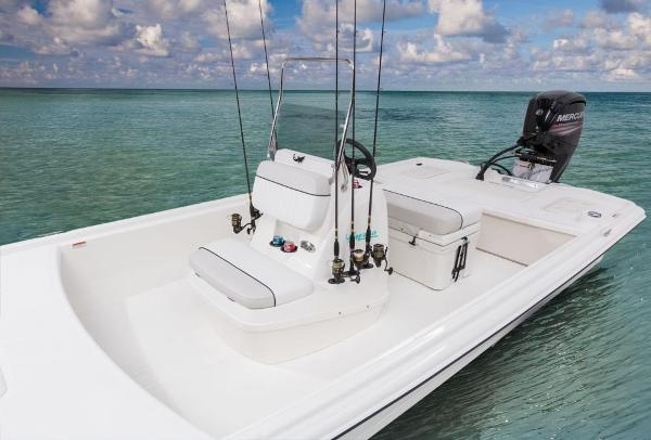 2017 Mako boat for sale, model of the boat is Pro Skiff 19 CC & Image # 12 of 33