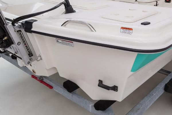 2017 Mako boat for sale, model of the boat is Pro Skiff 19 CC & Image # 22 of 33