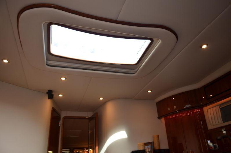 Salon - Skylight