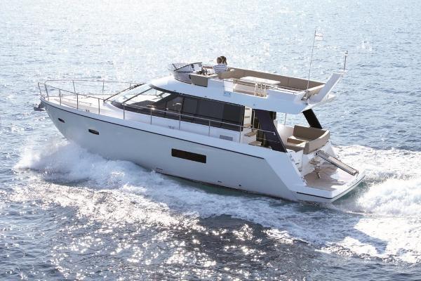 Sealine F450 Sister boat