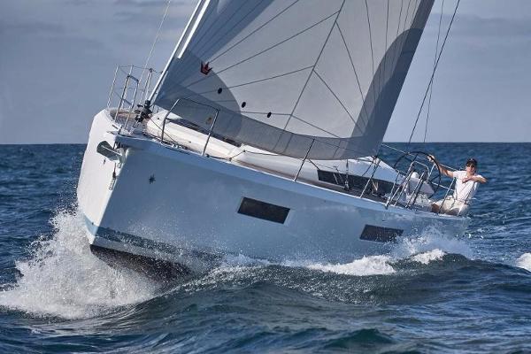 Jeanneau 440 Broker BoatsalesListing