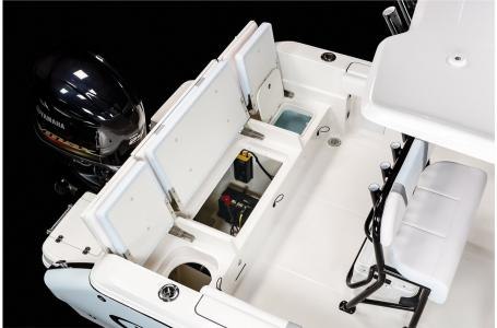 2021 Robalo boat for sale, model of the boat is R230 & Image # 14 of 23