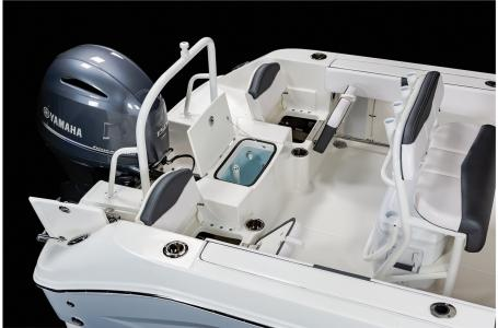 2021 Robalo boat for sale, model of the boat is R200 & Image # 11 of 20