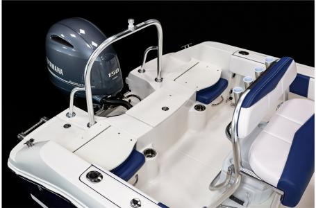2021 Robalo boat for sale, model of the boat is R180 & Image # 10 of 23