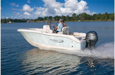 2021 Robalo boat for sale, model of the boat is R180 & Image # 18 of 23