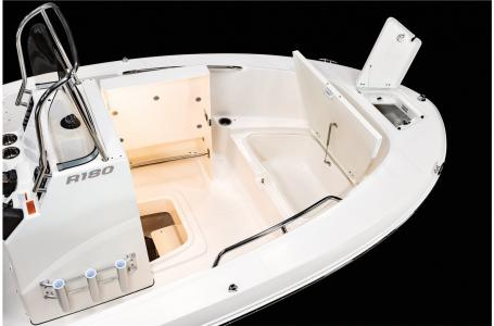 2021 Robalo boat for sale, model of the boat is R180 & Image # 19 of 23