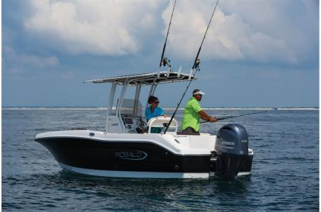 2021 Robalo boat for sale, model of the boat is 202 EXPLORER & Image # 1 of 4