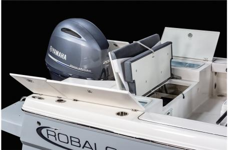 2021 Robalo boat for sale, model of the boat is 226 Cayman & Image # 5 of 18