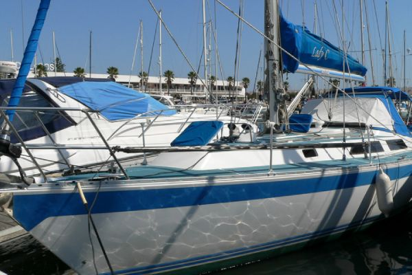 Oyster Heritage 37 boat for sale
