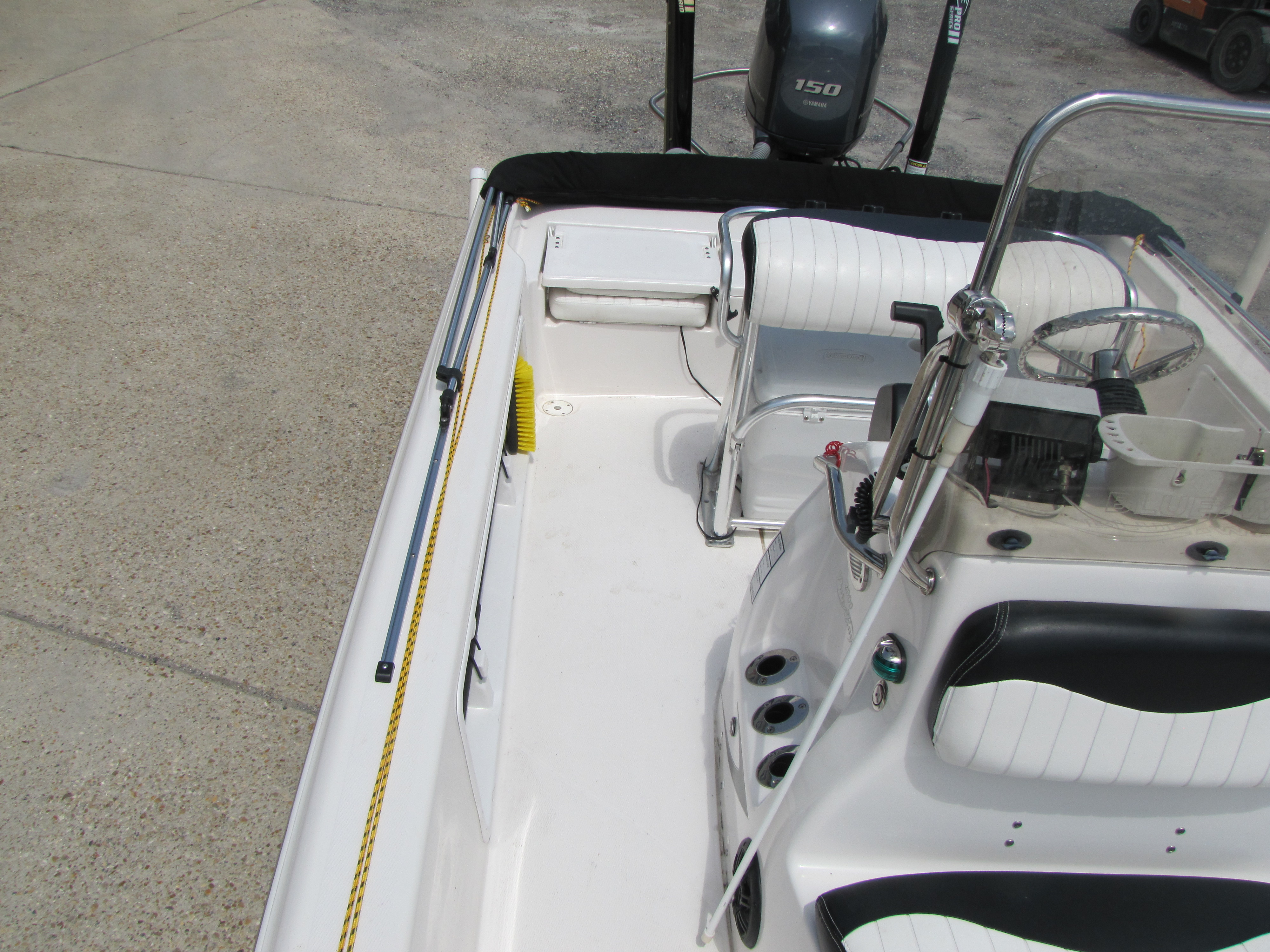 2014 Blue Wave boat for sale, model of the boat is 2000 & Image # 13 of 15