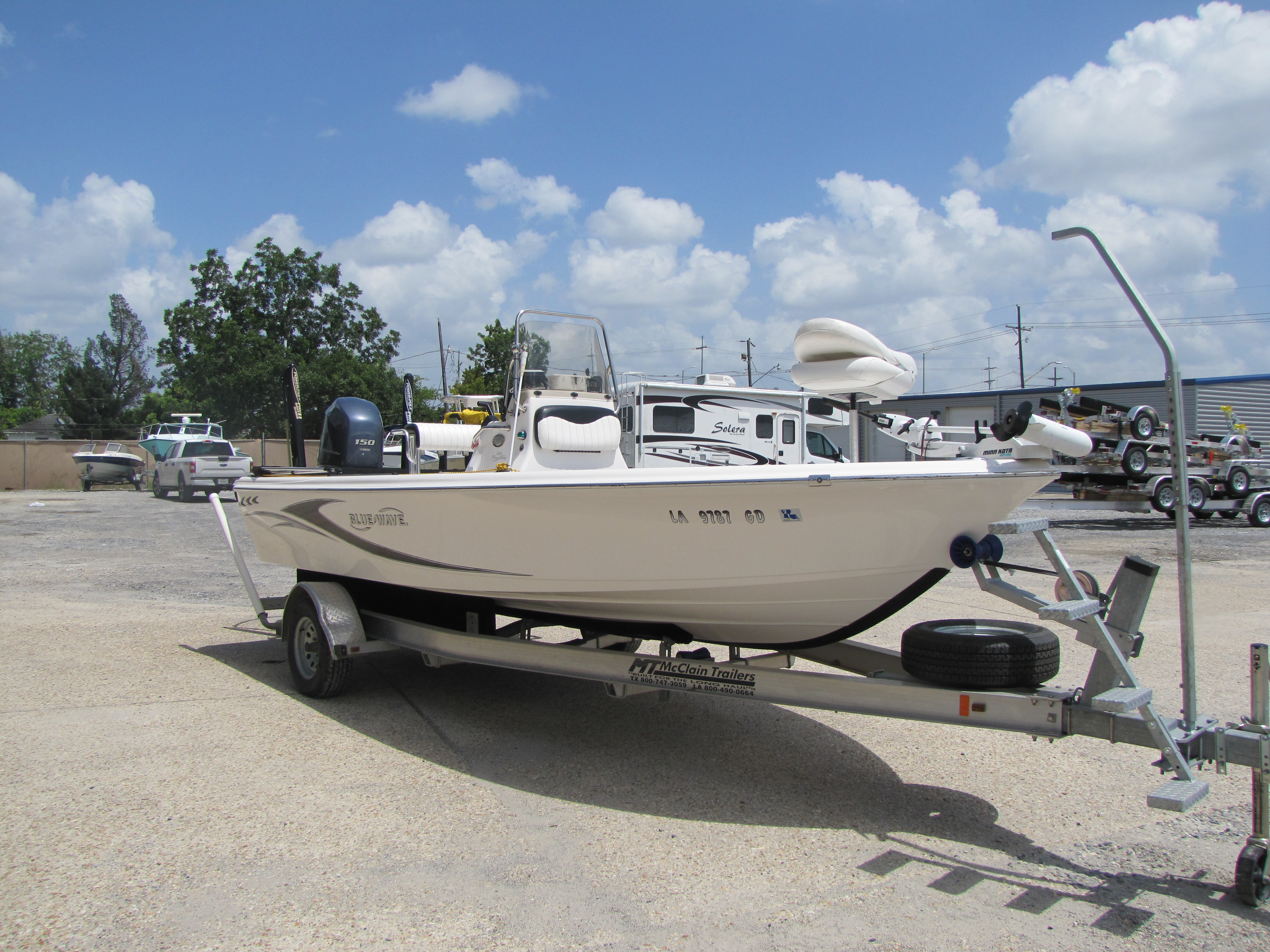 2014 Blue Wave boat for sale, model of the boat is 2000 & Image # 2 of 15