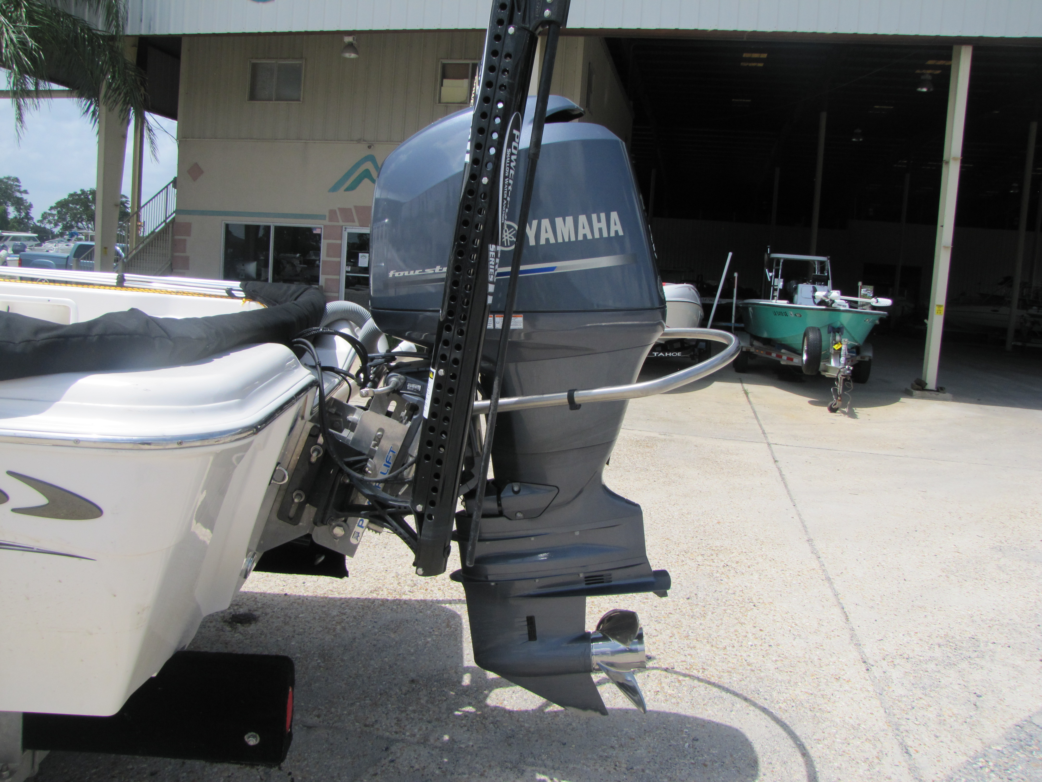 2014 Blue Wave boat for sale, model of the boat is 2000 & Image # 3 of 15