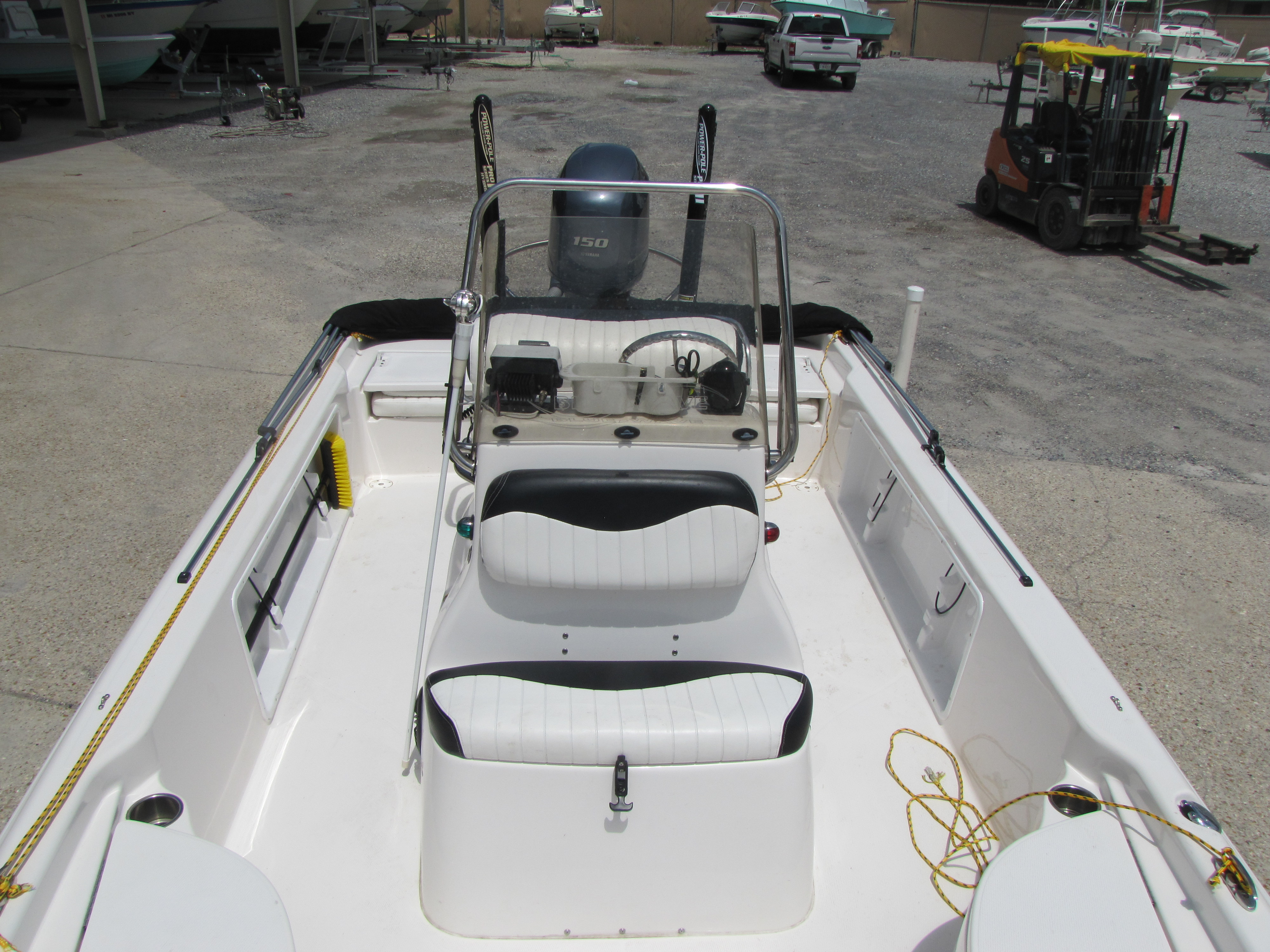 2014 Blue Wave boat for sale, model of the boat is 2000 & Image # 6 of 15