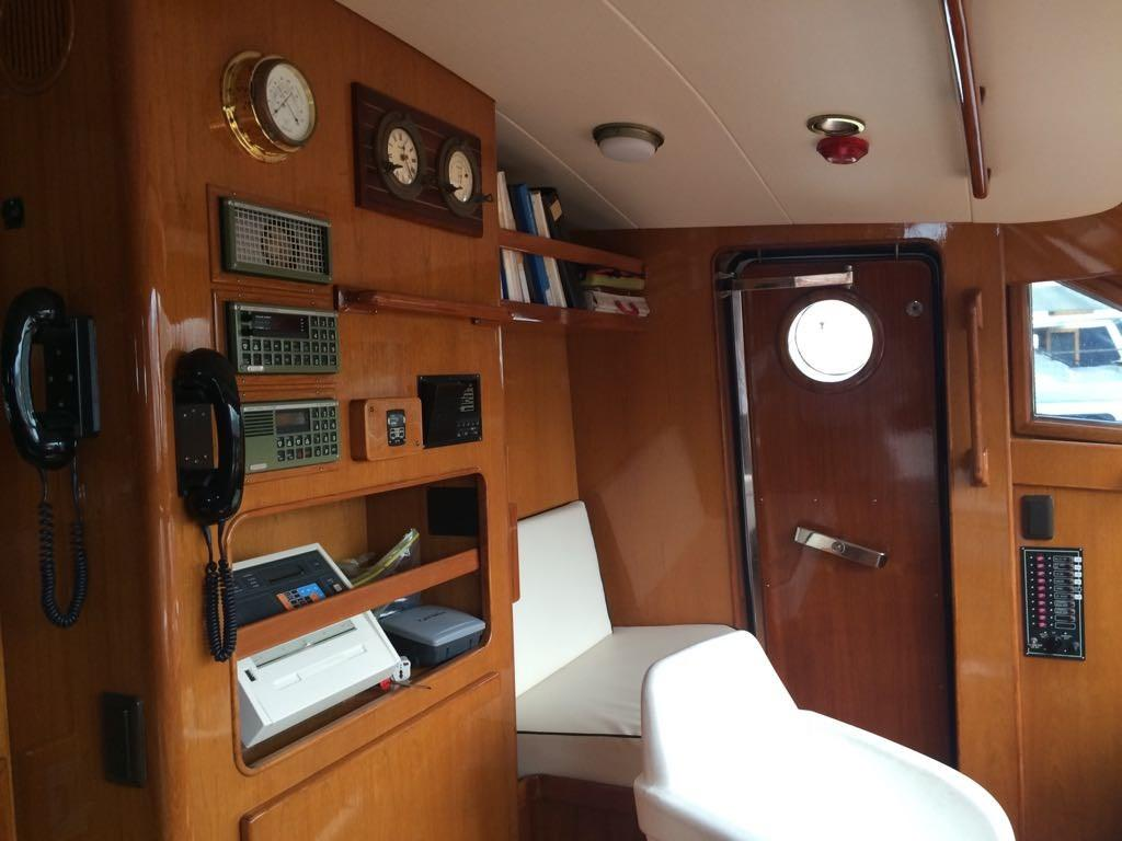 Monte Fino 65 Interior Helm Sitting