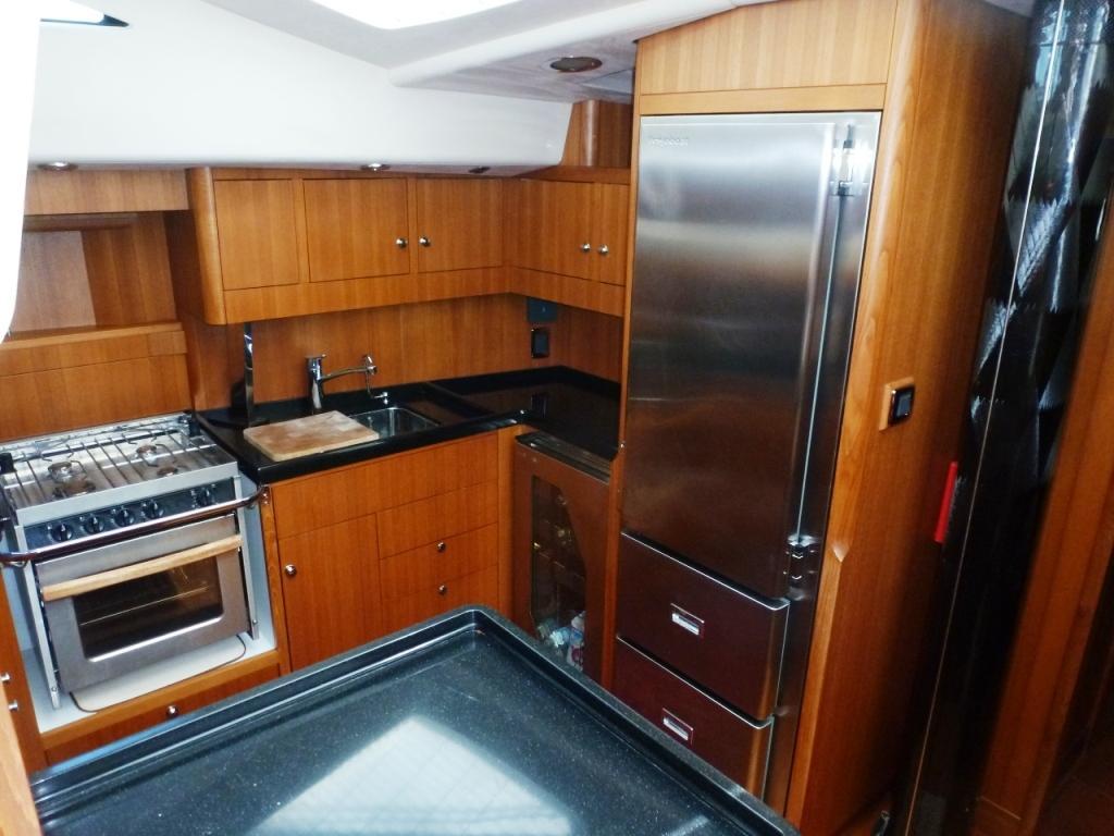 Large refrigerator with freezer drawers