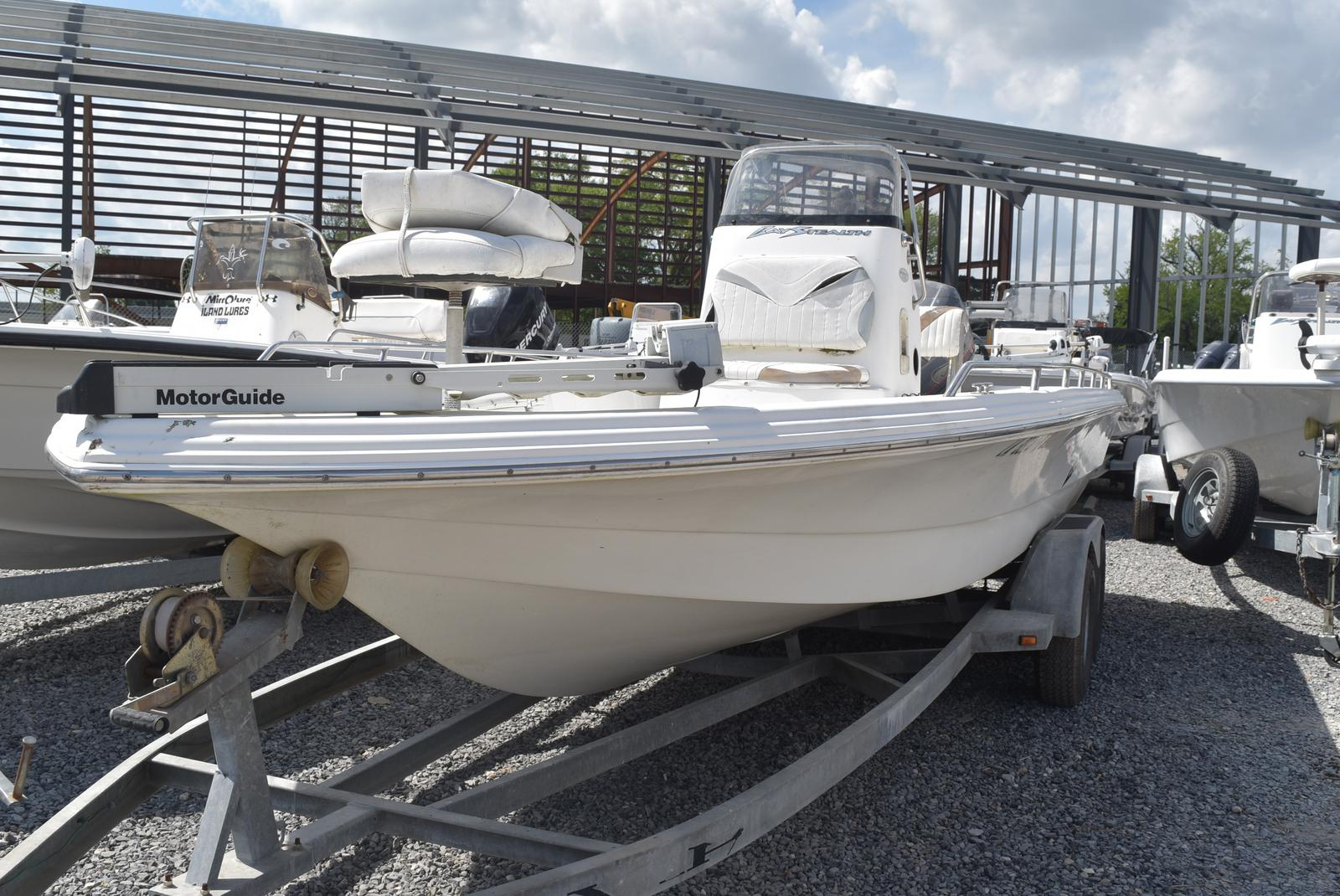2002 Bay Stealth boat for sale, model of the boat is 2230 Bay & Image # 4 of 6