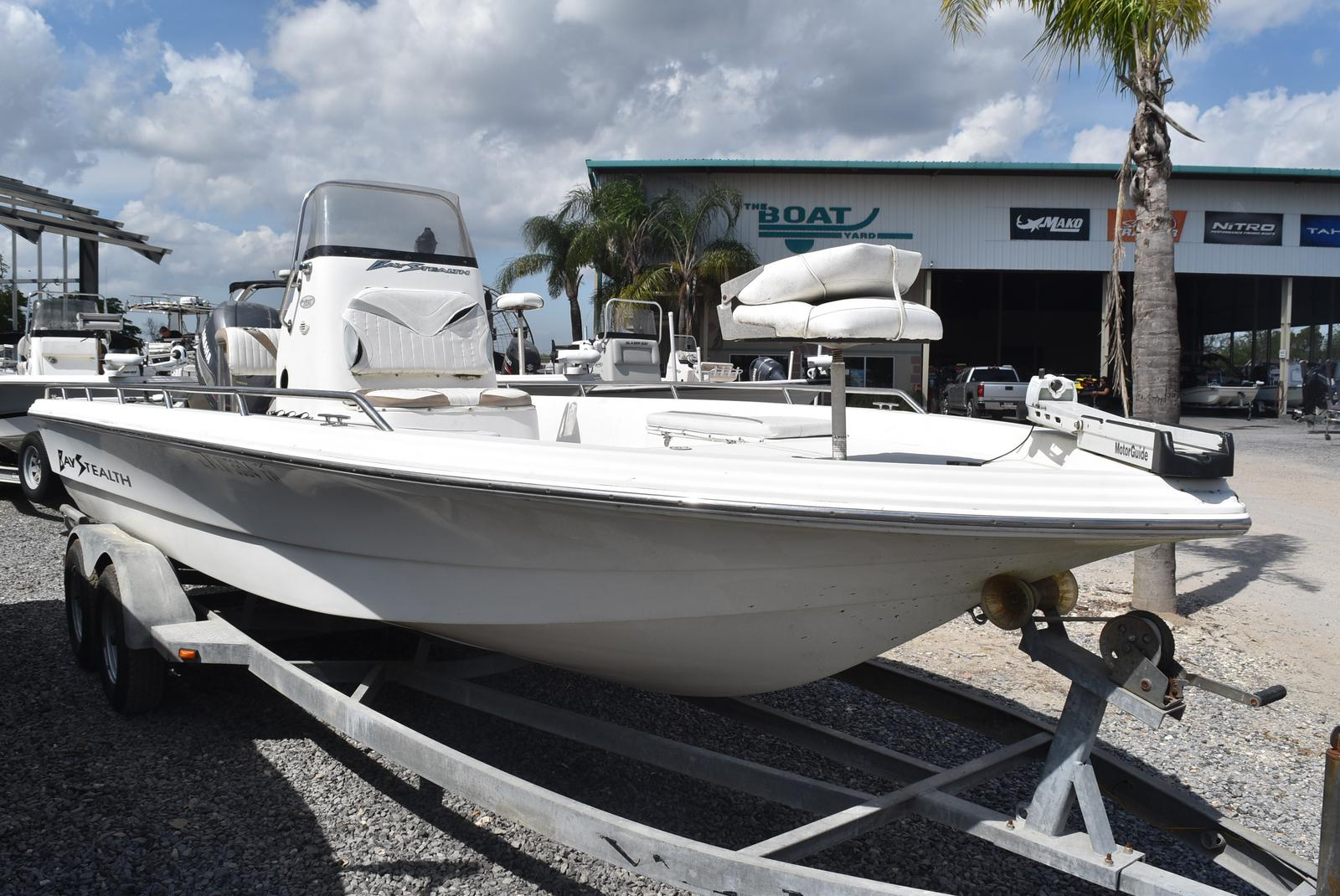 2002 Bay Stealth boat for sale, model of the boat is 2230 Bay & Image # 5 of 6
