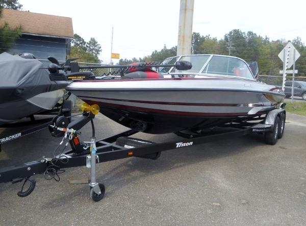 2018 TRITON 220 ESCAPE for sale