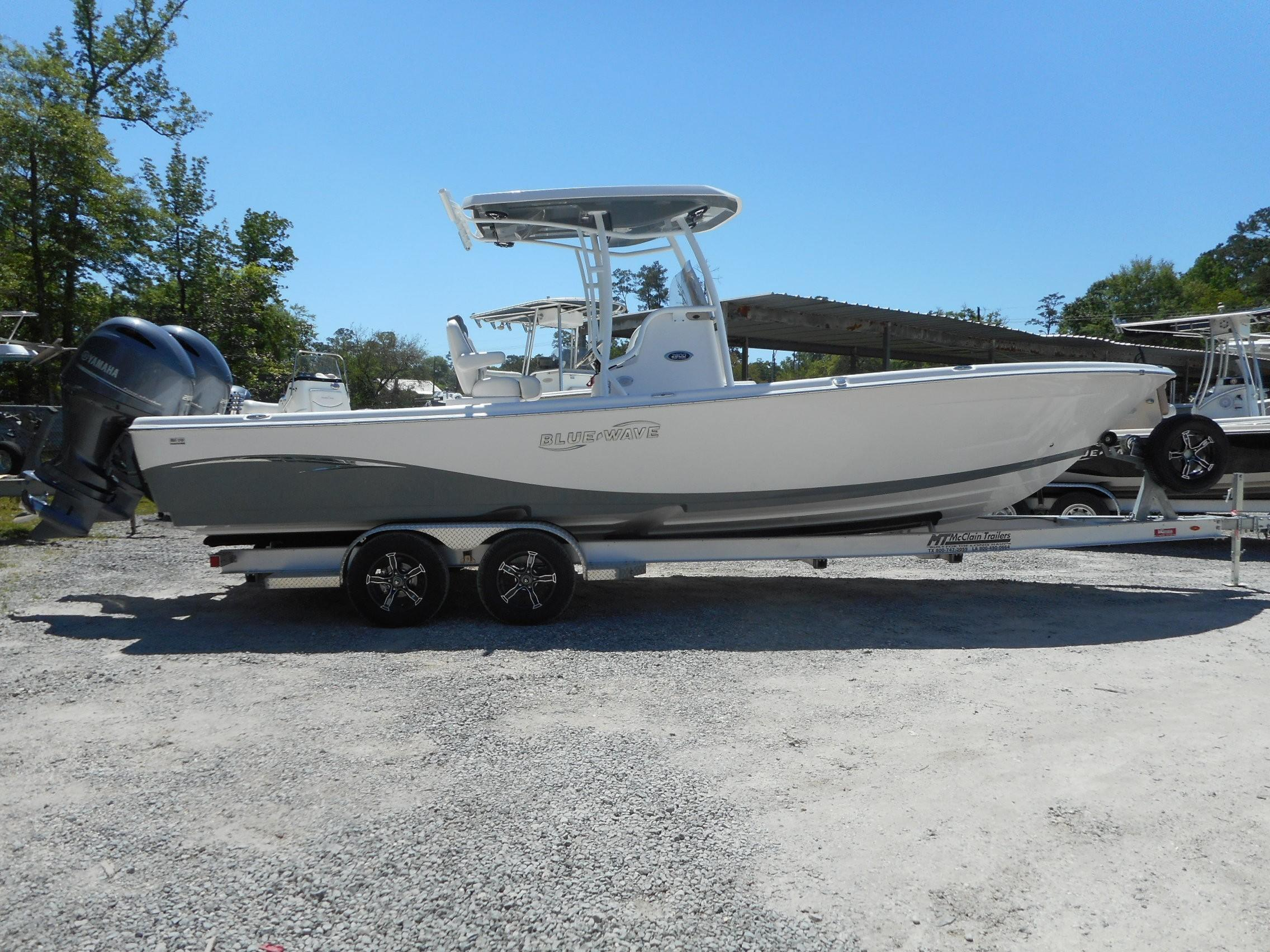 New  2019 27.17' Blue Wave 2800 Pure Hybrid Center Console in Slidell, Louisiana